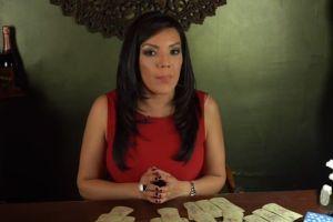 La vidente colombiana Deseret Tavares le envía un mensaje de cumpleaños a Adamari López