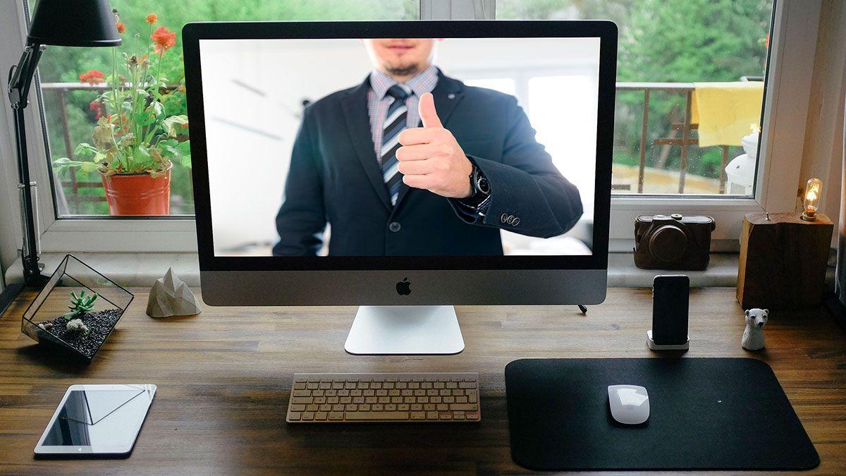 3 cosas que NUNCA debes hacer en una entrevista de trabajo online