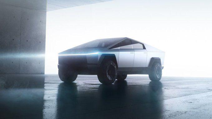 Mira a Jay Leno probar la Tesla Cybertruck