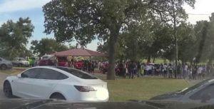 Captan en video un tiroteo en parque de Texas; había cientos de personas en el lugar y varias fueron heridas