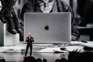 Apple asegura que los nuevos productos siguen adelante