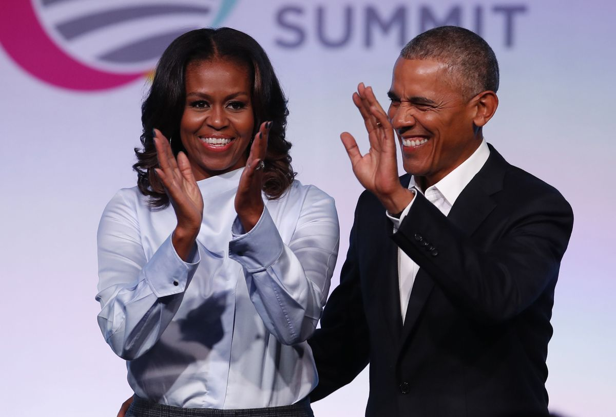 How much money do Barack and Michelle Obama have?