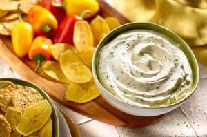 4 recetas de dips caseros para disfrutar de una tarde de películas