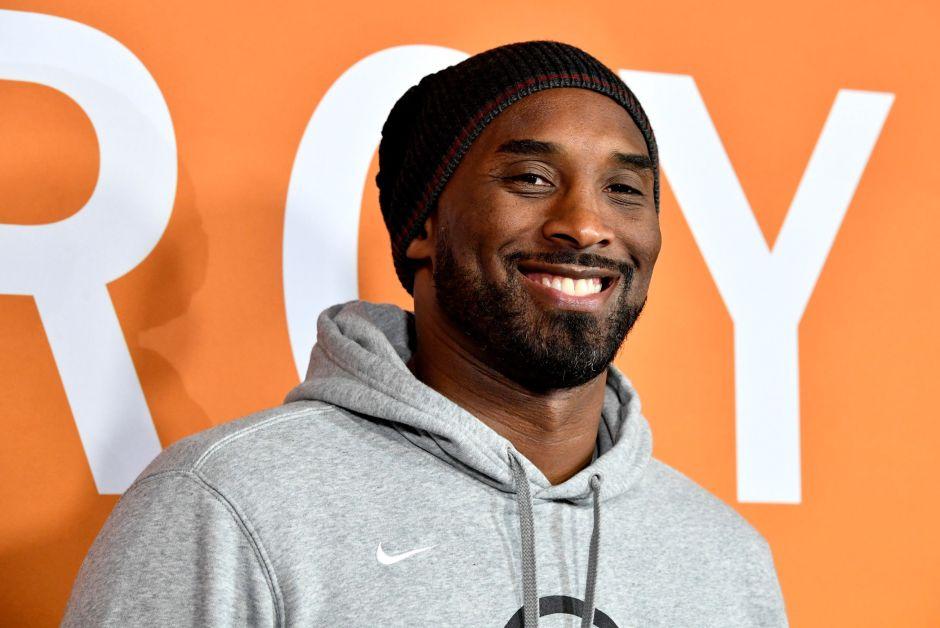 Huellas de las manos de Kobe Bryant son subastadas en seis veces su valor