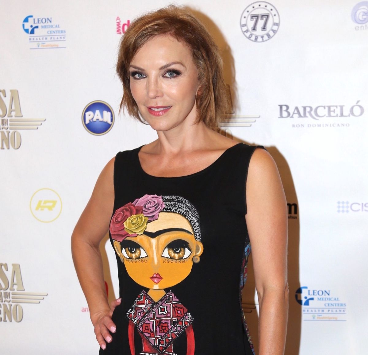 Laura Flores.