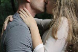 ¿Soñar que te besan está relacionado con el deseo sexual? Descubre su significado