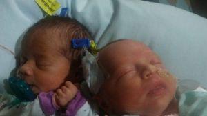 Tienen gemelas y el papá las llama como las dos villanas de una novela, las críticas son infinitas
