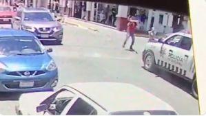VIDEO: Atacan a tiros a policías en las calles de Zacatecas
