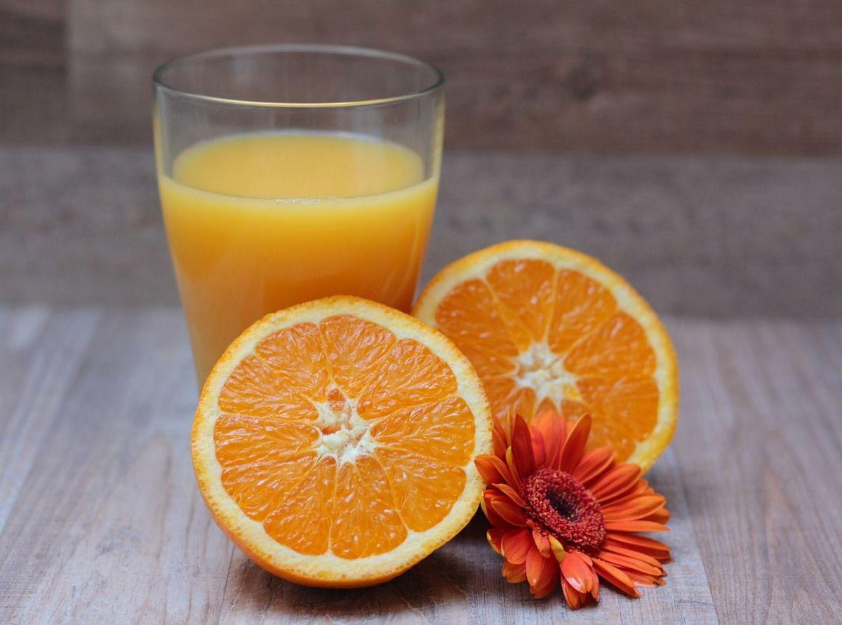 Lo que un vasito de jugo de papaya y naranja en ayuno hará por tu salud