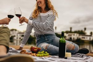 Cómo guardar el vino tinto para que te dure bueno más tiempo una vez abierto