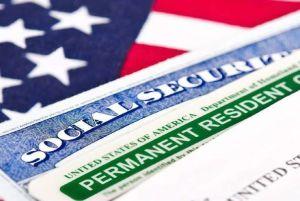 ¿Me negarían ciudadanía por pasar seis meses fuera de EEUU por coronavirus?