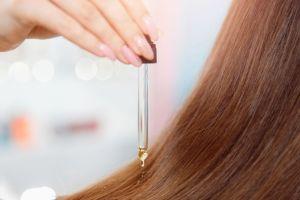 3 aceites que previenen la caída del cabello y evitan que se ponga fino