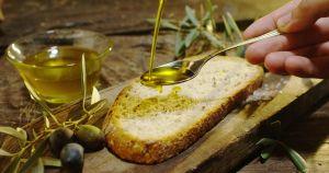 Descubre los beneficios de desayunar pan con aceite de oliva