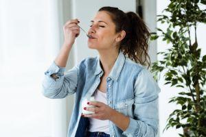 Los snacks más ricos en fibra recomendados por nutriólogos