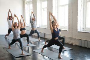 ¿Cómo podemos combatir el estrés a través del yoga?