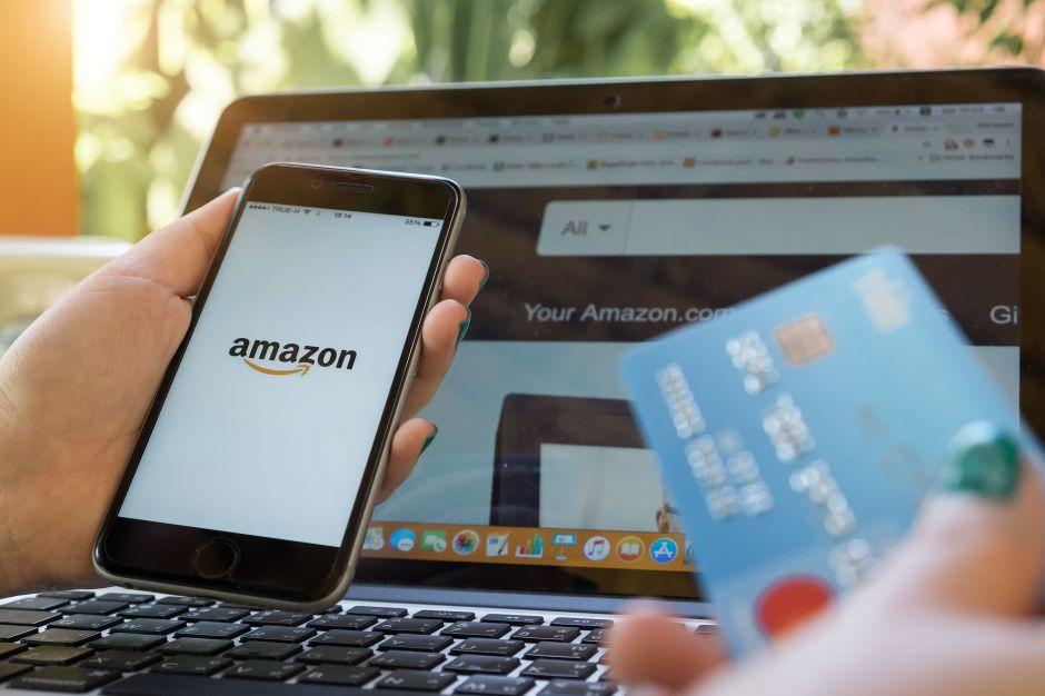 Servicio de Amazon que permite cargar dinero en Estados Unidos y poder usarlo en Amazon México