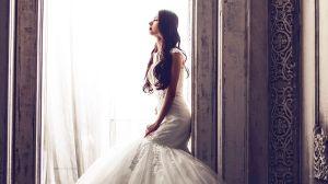 Quiere llevar su vestido de novia todos los días, asi que hace algo que nadie esperaba