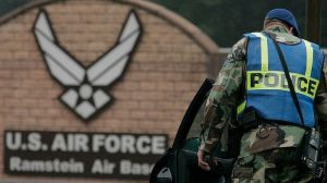 Qué hay detrás de los planes de Trump de retirar de Alemania unos 10,000 soldados de EE.UU. (y cómo favorece a Rusia)