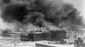"""Masacre de Tulsa: qué ocurrió en la oculta matanza del """"Wall Street negro"""" y por qué se relaciona ahora con Trump"""
