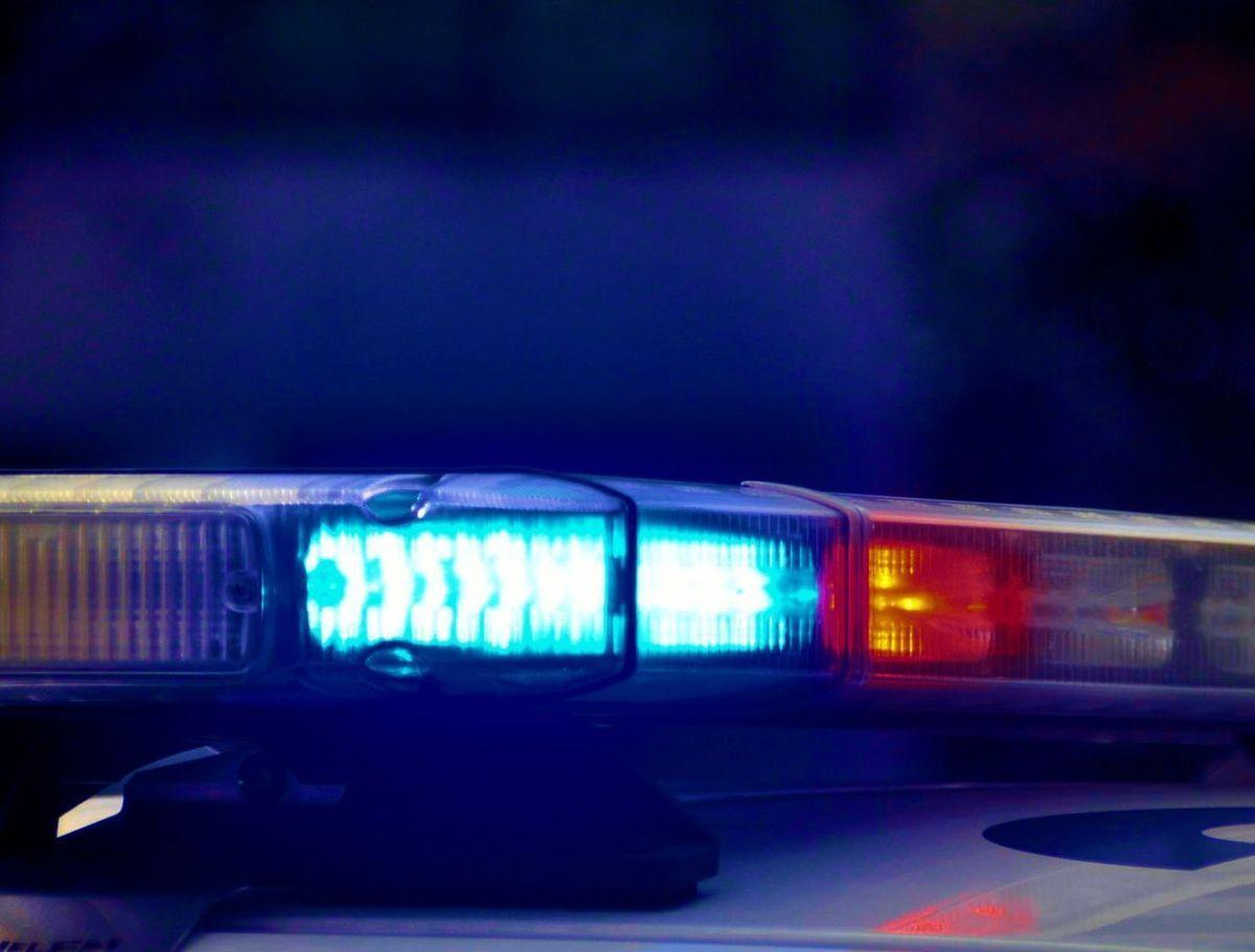 Un policía de Miami golpea a un peatón con una camioneta