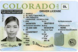 Inmigrantes indocumentados de Colorado podrán tramitar más fácilmente licencia de conducir