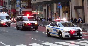 Propuesta de recortar $1,000 millones al presupuesto del NYPD divide las opiniones en NYC