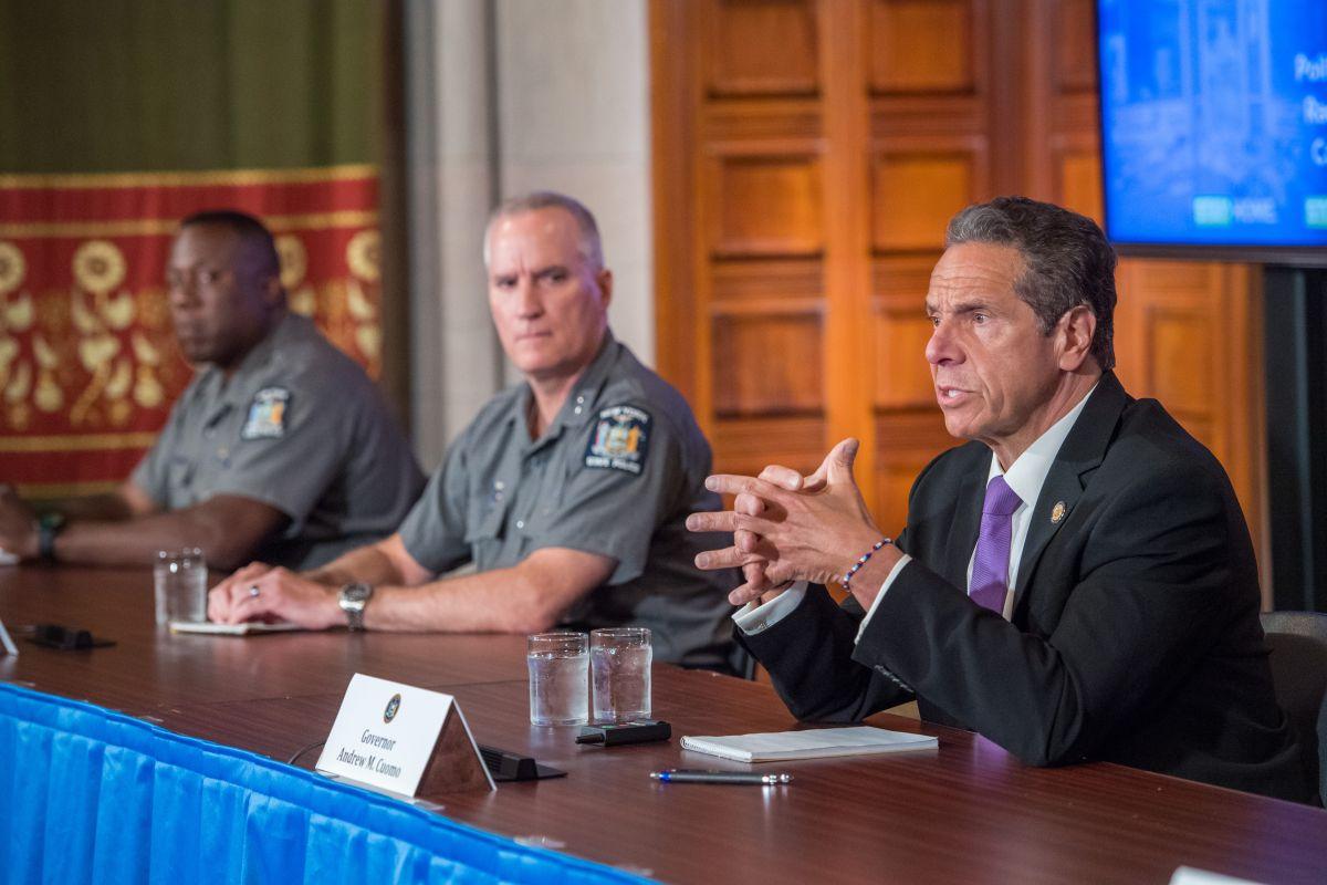 Cuomo acusa a De Blasio y al NYPD de no hacer su trabajo para evitar saqueos y desmanes en NYC