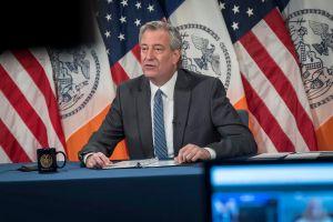 De Blasio anuncia que reapertura de NYC va por buen camino, pero pide no subestimar al COVID-19