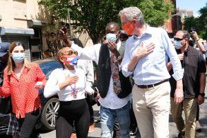 Critican a Bill de Blasio por preferir esperar para decidir si NYC comienza o no la Fase 2