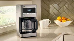 ¿Quieres dormir un poco más? 5 cafeteras automáticas que tendrán el café listo cuando despiertes