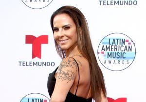 Kate del Castillo presume su espectacular cuerpo en un colorido bikini