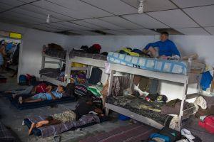 Migrantes en peligro por brote de coronavirus en albergue en México