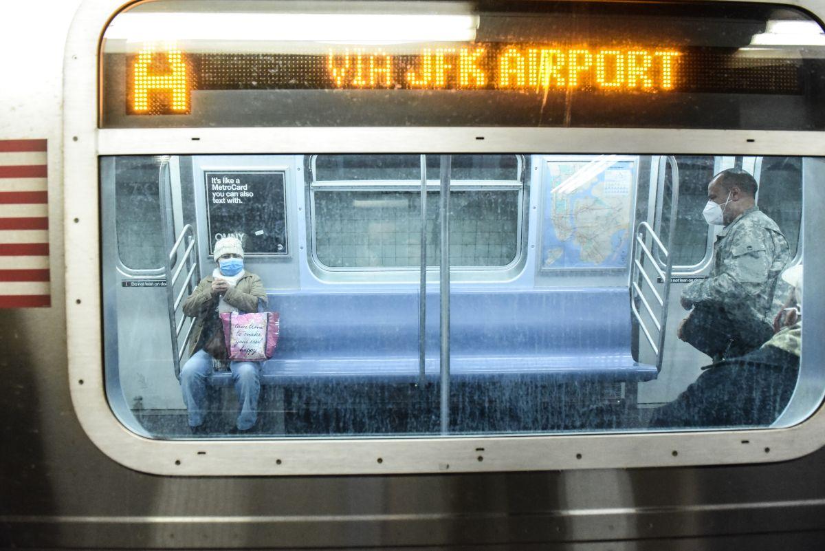 La MTA hace frente a una crisis histórica que obligará a recortes de servicios y subidas de tarifas