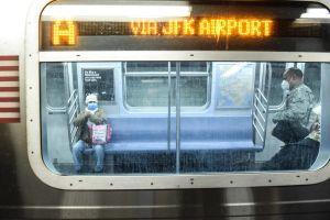 Con cifras positivas alcalde retoma el tema del coronavirus y la reapertura de NYC