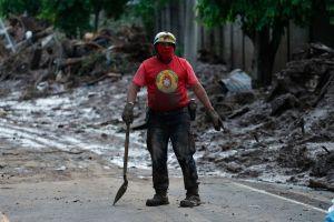 Lluvias dejan 27 salvadoreños muertos y a miles en riesgo de contagio de COVID-19