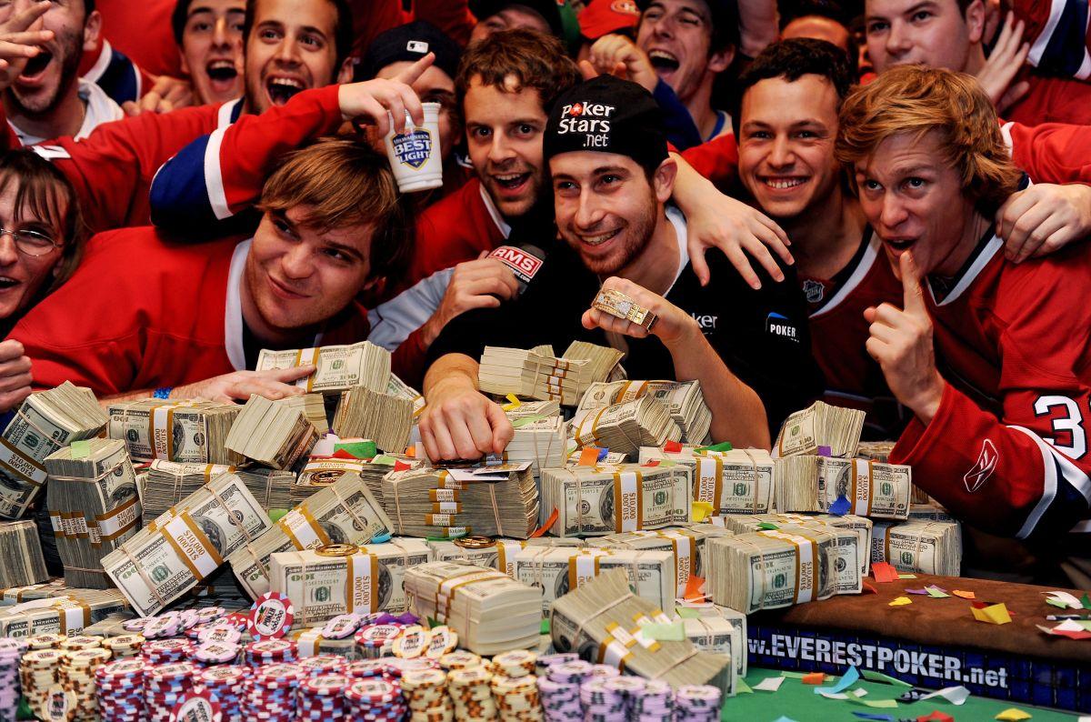 Cómo el dinero afecta la felicidad, según un estudio