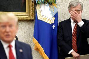 """""""Diles que el país está cerrado"""". Así se obsesionó Trump contra los inmigrantes, según libro de John Bolton"""