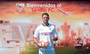"""""""No hizo lo que esperábamos"""": Javier 'Chicharito' Hernández decepcionó en su paso por Sevilla"""