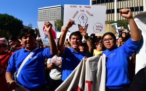 Fallo de Corte Suprema trae alivio a 'dreamers' y los inspira a luchar
