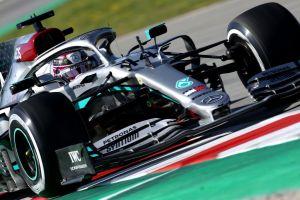 Los autos de la escudería Mercedes-AMG dejarán su mítico color plateado para protestar contra el racismo