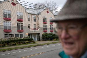 IRS envía alerta sobre cheque de estímulo económico de personas mayores en residencias