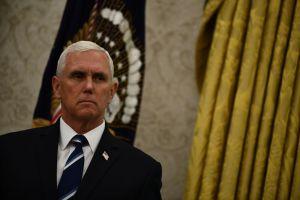 Vicepresidente Pence insta a gobernadores a difundir información engañosa sobre repunte del coronavirus