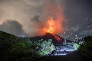 Guatemala en alerta por la erupción de tres volcanes