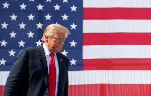Juez bloquea publicación del libro de la sobrina de Donald Trump