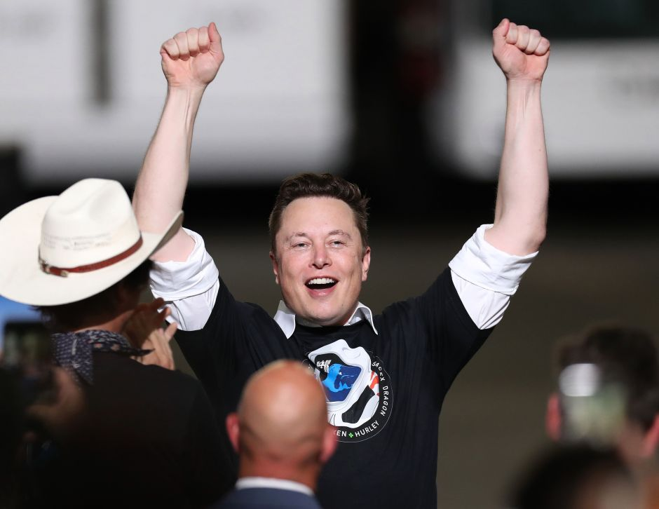 """Musk ataca a Bezos por Twitter y dice """"es hora de dividir Amazon"""""""