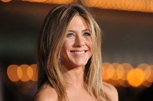 Una icónica foto de Jennifer Aniston desnuda se subastará por una buena causa, y ella opina al respecto