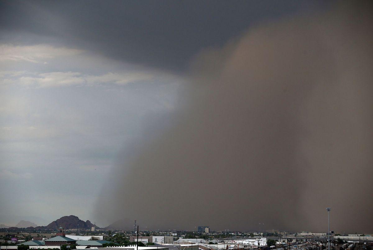 Una tormenta de arena vista sobre Phoenix, Arizona, en agosto de 2013.