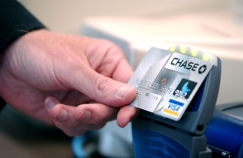 8 razones para usar tu tarjeta de crédito en lugar de pagar en efectivo