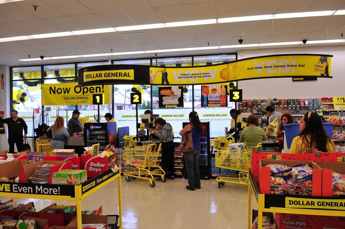 Las tiendas de a dólar también crean oportunidades de empleo en las áreas donde se abren.