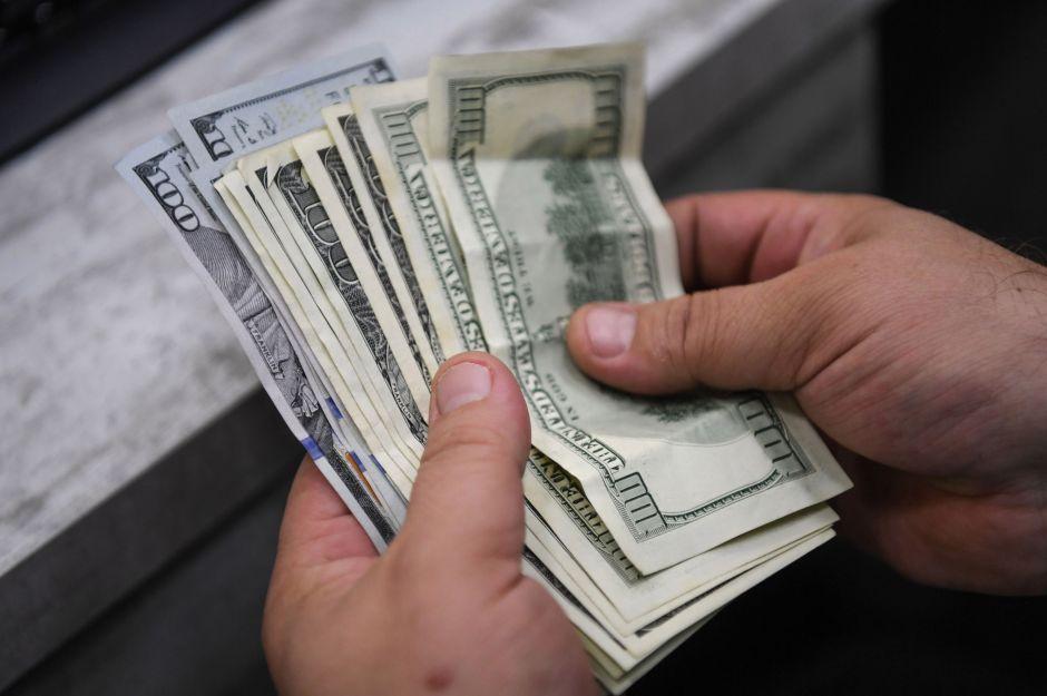 Segundo cheque de estímulo: las tres opciones sobre cantidad de dinero que están sobre la mesa